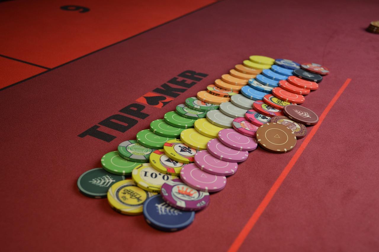 Ganar dinero real en poker. Ventajas