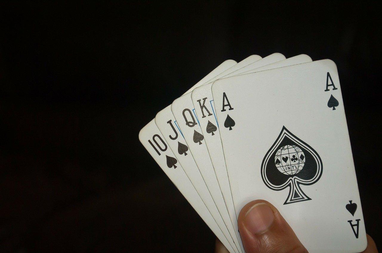 Juegos de poker gratis. Escalera