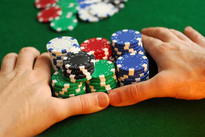 Jugar a poker. All in