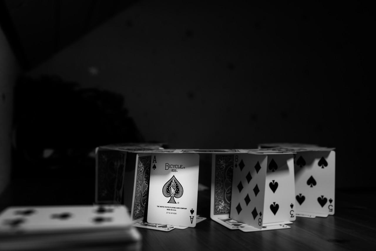 Jugar poker online. Castillos