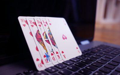 Jugar poker online. Ventajas e inconvenientes.