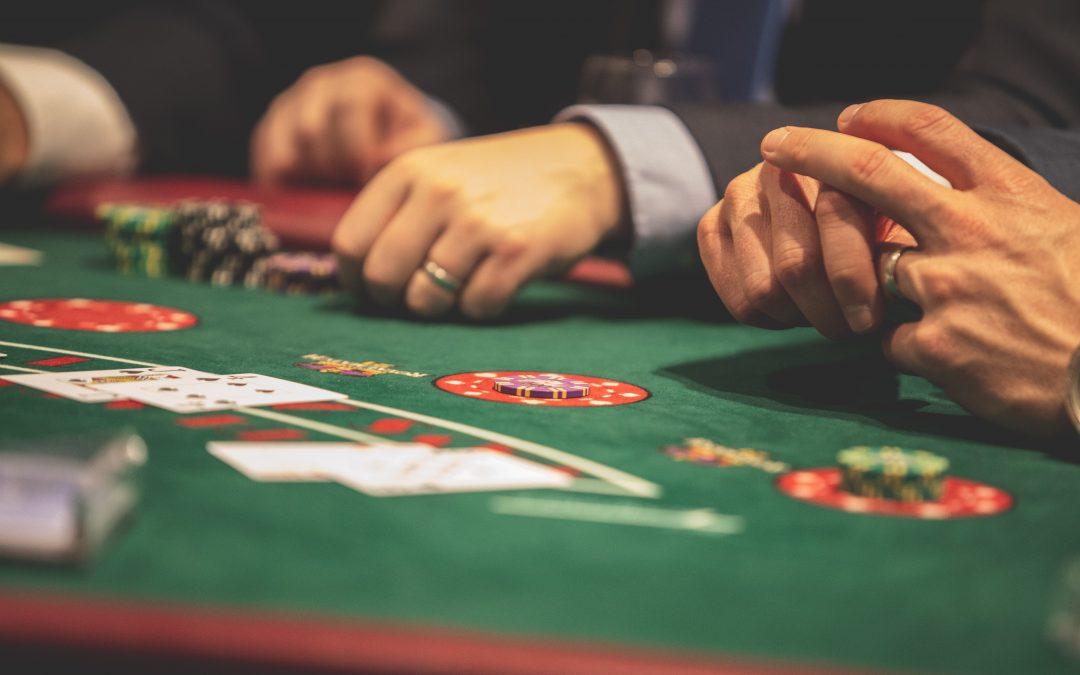 Jugadas de poker reales con las que aprender