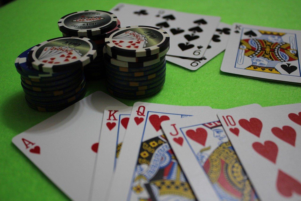 Ciegas en el poker. Robar ciegas